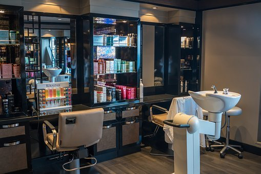 Do you want to visit a hair dresser? Here are three tips to know of!