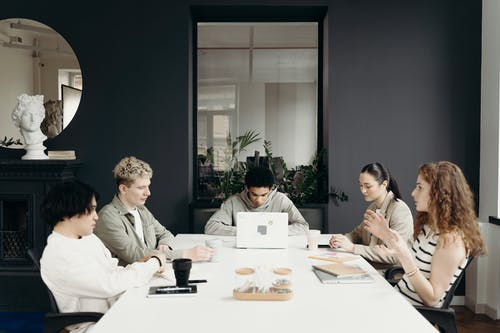 7 Tips to Improve Your Office's Working Environment