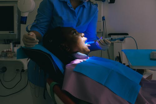 The best reasons to visit a cosmetic dentist in your town